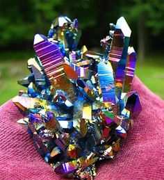 ✣ Titanium Rainbow Flame Aura Quartz Crystal ✣ To read; >> https://www.facebook.com/photo.php?fbid=4939934216076&set=a.1935936078000.2098975.1230282094&type=1&theater #Crystals #TitaniumRainbowFlameAura #QuarzCrystals #Nature