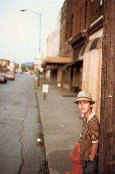 William Eggleston  http://www.joseph-fashion.com/fr/ecomus/page/picturethisivandonovan https://graphia.wordpress.com/author/graphia/page/11/