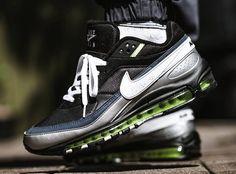 Sneakers-actus : votre source fraîche de baskets homme & femme Nike Air Max, Air Max 97, Mens Business Casual Shoes, Air Max Sneakers, Sneakers Nike, Air Max Classic, Cool Trainers, Black Neon, Nike Shoes