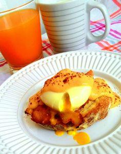 Ovos beneditinos (ovo pochê com molho holandês e bacon no pão tostado) | COZINHANDO PARA 2 OU 1