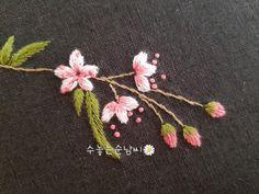 한파속에서 봄을 기다려요. 봄을 그리워해요. 봄꽃을 피울래요. 수줍은듯한 붉은빛 볼살을 연상케 하는 그...