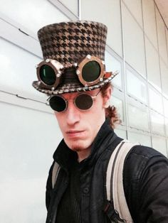 Street testing the goggles. Victorian Hats, Round Sunglasses, 3d Printing, Style, Impression 3d, Round Frame Sunglasses, Stylus, 3d Typography