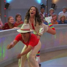 Jackie + Fez at the roller disco. 70s Aesthetic, Aesthetic Pictures, Gilmore Girls, Movies Showing, Movies And Tv Shows, Thats 70 Show, Roller Disco, Film Serie, Belle Photo