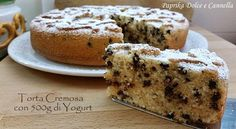 La Torta Cremosa con 500g di Yogurt è un dolce dalla consistenza umida e dal sapore morbido e delicato, pur mancando il burro...