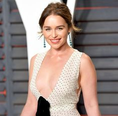 Emilia Clarke Wants More Male Nudity on 'Game of...: Emilia Clarke Wants More Male Nudity on 'Game of Thrones': 'Free the… #EmiliaClarke