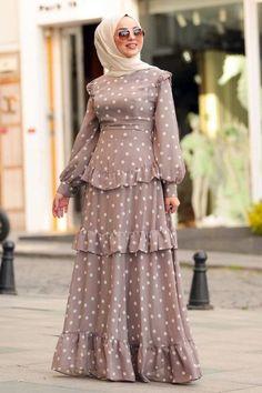 Nice 11 Top Teen Muslim Outfits Ideas for You to Have The rapid development of M. Nice 11 Top Teen Muslim Outfits Ideas for You to Have The rapid development of Muslim outfits in th Abaya Fashion, Muslim Fashion, Modest Fashion, Fashion Outfits, Nice Outfits, Women's Dresses, Stylish Dresses, Muslim Dress, Hijab Dress