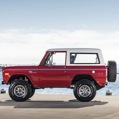 Ford Bronco - My list of the best classic cars Pickup Trucks, Pickup Auto, Chevy Trucks, Jeep Pickup, Lifted Trucks, Lifted Ford, Jeep 4x4, Classic Ford Broncos, Ford Classic Cars