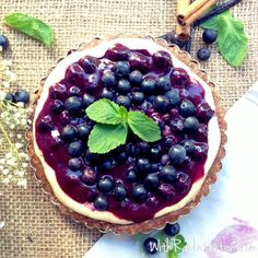 Blueberry Banana Ice CreamPie raw and vegan! Yay!