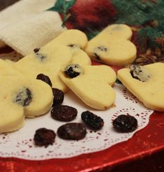These Orange Cranberry Cookies are tart but sweet with a warm citrus taste. Not made like traditional shortbread cookies, this dough includes eggs. Cookie Recipes, Dessert Recipes, Desserts, Dont Break My Heart, Orange Drinks, Cranberry Cookies, Heart Cookies, Recipe Details, Cookies