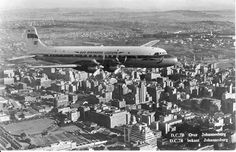 SAA Airways aircraft over Johannesburg Douglas Aircraft, Vintage Air, Civil Aviation, Air Travel, Old Pictures, Airplane View, South Africa, Backdrops, Southern