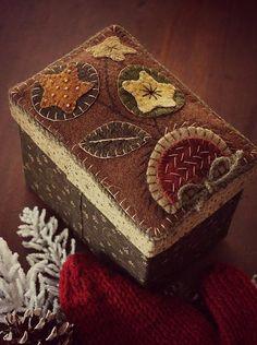 Wooly Star Flower Box 5 x 6 x 4 x 39 w - Wool Applique Quilts, Wool Applique Patterns, Wool Quilts, Wool Embroidery, Felt Applique, Applique Designs, Felted Wool Crafts, Felt Crafts, Fabric Crafts