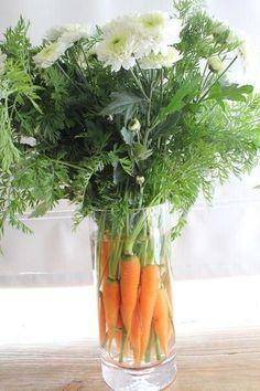 Leuk met Pasen: Gewoon een bosje wortelen in de vaas!. Foto geplaatst door lindadefred op Welke.nl