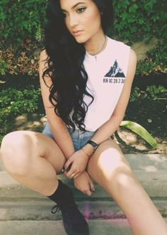 But I love Kylie's style and her hair.