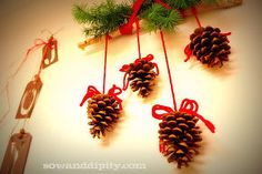 rustic holiday decor part 2, diy home crafts, seasonal holiday d cor, Pine Cone Wall art