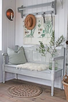 17 Coolest Hallway Furniture Ideas You can't let your hallway interior looks empty. It is recommended to design the hallway nicely using a hallway furniture. It is very easy to design the hallway because sometimes you just need to Decoration Shabby, Shabby Chic Decor, Shabby Chic Entryway, Decorations, Hallway Furniture, Entryway Decor, Furniture Ideas, Entryway Bench, Cheap Furniture