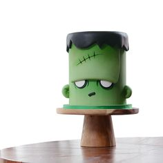 Green Frankenstein Halloween cake by Meng Jo Fong!