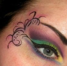 Cool Eye Makeup. Must try.