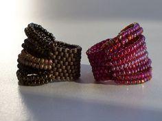 Best of Beads by Hanneke Wels - rings Seed Bead Jewelry, Bead Jewellery, Beaded Jewelry, Handmade Jewelry, Jewelery, Seed Beads, Jewelry Patterns, Bracelet Patterns, Beaded Rings