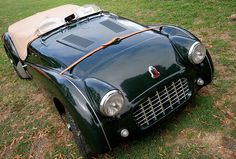 """Here's a nice TR3. The hood vents and wind screens are nice touches. loudpop: """" Triumph TR3 """""""