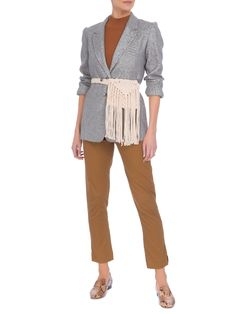 Pochete Feminina Maia - Nannacay - Bege - Shop2gether Loafer, Ideias Fashion, Capri Pants, Chic, Style, Products, Gray Blazer, Brown Pants, Long Fringes