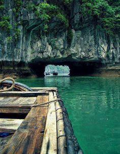 Sea cave tunnel Thailand http://www.vacationrentalpeople.com/vacation-rentals.aspx/World/Asia/Thailand/