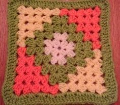 Transcendent Crochet a Solid Granny Square Ideas. Inconceivable Crochet a Solid Granny Square Ideas. Crotchet Patterns, Crochet Motifs, Granny Square Crochet Pattern, Crochet Blocks, Crochet Squares, Crochet Blanket Patterns, Crochet Granny, Crochet Stitches, Knitting Patterns