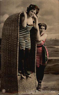 Edwardian Bathing Beauties | Victorian Bathing Beauties Swimsuits & Pinup Vintage Girls, Vintage Outfits, Edwardian Fashion, Edwardian Era, Estilo Country, Victorian Life, Vintage Photography, Photography Shop, Bathing Costumes