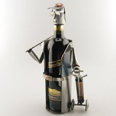 This holder for a wine bottle is a great present for a golfer - he'll certainly put on his table. (Delivery excludes wine bottle)