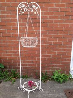 Cream French Ornate Shabby Chic Victorian Metal Hanging Stand Basket Planter