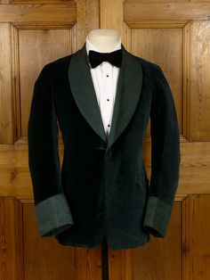 16/0842 (dc) wonderful 1940s 1950s vintage green silk-velvet shawl smoking jacket 34 short