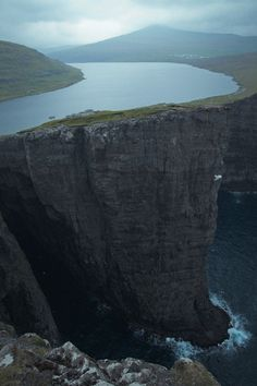 Ohh how awesome it would be to kayak here!!!!  Sørvágsvatn lake, Faroe Islands