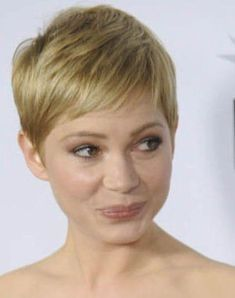 Today we have the most stylish 86 Cute Short Pixie Haircuts. Pixie haircut, of course, offers a lot of options for the hair of the ladies'… Continue Reading → Short Wavy Pixie, Short Layered Bob Haircuts, Blonde Pixie Cuts, Very Short Hair, Short Blonde, Short Curly Hair, Short Hair Cuts, Curly Hair Styles, Michelle Williams Hair