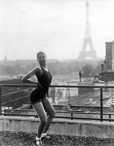 Josephine Baker at the Theatre des Champs Elysees, Paris, 1926...knees spread ,back arched ,eyes googled