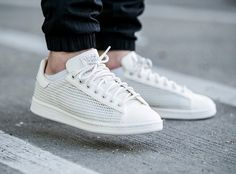 Adidas Stan Smith Woven (tissée) off White (beige) White Sneakers, Adidas Sneakers, Shoes Sneakers, Men's Shoes, Adidas Stan Smith, Sock Shoes, Shoe Boots, Basket Sneakers, Shoe Basket