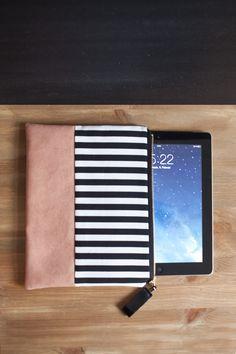 Tablet-PC-Taschen - Heimarbeit-Design iPad 2 Hülle Valentine's Edition - ein Designerstück von Heimarbeit-Design bei DaWanda 27 cm breit und 21 cm hoch,  50,00