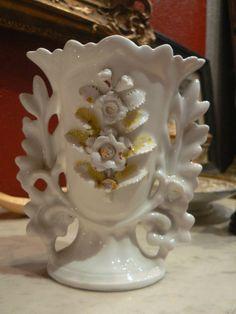 Ancien grand vase d'église.