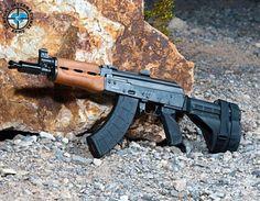 Manufacturer: Century International Arms Mod.Zastava PAP M92 Caliber - Calibre: 7.62x39 Capacity - Capacidade: 30 Shot Barrel length - Comp.Cano: 10 Weight - Peso: 5.69...