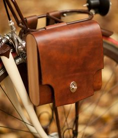 Walnut Studio Leather Bicycle bag