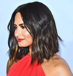 Demi Lovato Just Chopped Off All Her Hair & You Need To See It