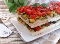 Il tiramisù salato è preparato con una gustosa crema di melanzane e tante verdure fresche di stagione, zucchine e pomodori. Un piatto fresco e cremoso.