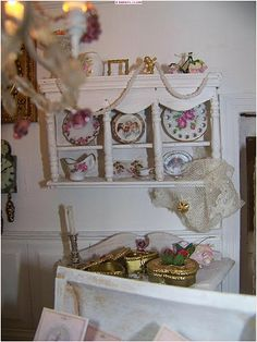 View album on Yandex. Miniature Kitchen, Shabby Chic Kitchen, New Pins, Dollhouses, Decorative Boxes, Miniatures, Dining, Tutorials, French