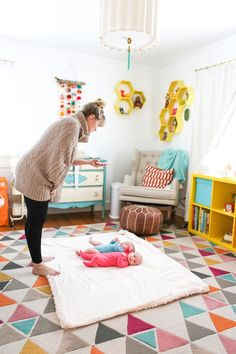 How to Take Great Photos of Your Newborn How to Take Great Photos of Your Newborn Daisy Faith Art daisyfaithart Colorful 038 Patterned Home I ve partnered with Baby nbsp hellip Nursery Twins, Nursery Room, Nursery Ideas, Newborn Nursery, Nursery Themes, Bedroom, Baby Room Neutral, Nursery Neutral, Baby Room Ideas Early Years