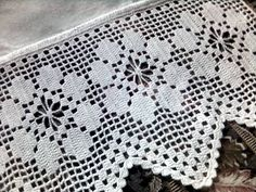 This Pin was discovered by Hat Thread Crochet, Love Crochet, Filet Crochet, Easy Crochet, Crochet Hooks, Crochet Edging Patterns, Crochet Borders, Crochet Squares, Diy Crafts Knitting