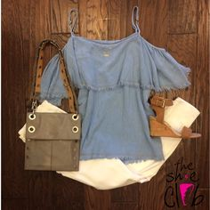 Need an outfit for rodeo? This outfit is perfect! Top it off with our favorite reversible Hammitt LA bag! 👌🏻💕 Top $55 Jeans $88 Sam Edelman Wedge Sandal $110 Hammitt LA reversible Montana $485 Wifey Necklace $24☎️ 210-824-9988