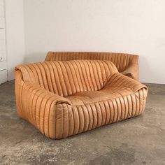 Series of 2 vintage leather sofa Annie Hieronimus design, Cinna edition HB … - Home Page Furniture Ads, Cool Furniture, Modern Furniture, Furniture Design, Plywood Furniture, Chair Design, Design Design, Furniture Movers, Lounge Furniture