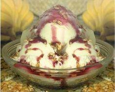 Sorvete de Iogurte com Açaí:  30g (colher sopa) de açúcar mascavo 1 banana nanica picada 1 copo de iogurte desnatado 100g (xícara chá) açaí cremoso 40g. granola (opcional)