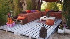 Great use of reclaimed wood pallets, build a deck! 0071 My pallets deck in garden with Terrace sofa Pallets Outdoor Lounge Reclaimed Furniture, Diy Pallet Furniture, Diy Pallet Projects, Outdoor Projects, Pallet Ideas, Furniture Decor, Pallet Wood, Diy Wood, Pallet Floors