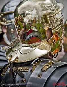 Detail of Roman soldier's helmet - love the neck guard. Roman Armor, Arm Armor, Ancient Rome, Ancient History, Roman Soldier Helmet, Roman Helmet, Caballero Andante, Grandeur Nature, Roman Warriors