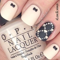 Bow black white nails