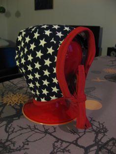 Her kommer endnu en DIY og en god måde at få brugt sine jerseyrester :) Mønster: Babyhjelm midterstykke og Babyhjelm sidestykke (Det er ...